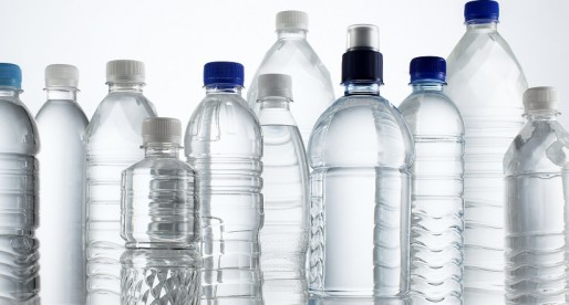 Reusar o no botellas y recipientes de plástico