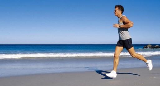 ¿Correr o nadar? ¿Cuál es el ejercicio más completo?