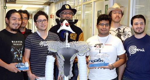 Equipo PUMAS orgullosamente galardonado por su trabajo en robótica
