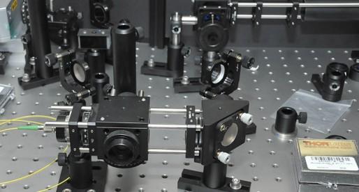 Crea UNAM motor microscópico de vapor y luz