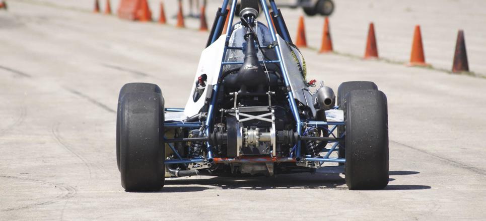 UNAM gana tercer lugar en certamen automotriz
