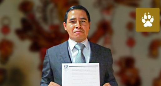 Becario mixteco obtiene título académico