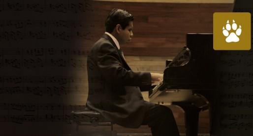 Alumno ciego se gradúa de la Facultad de Música