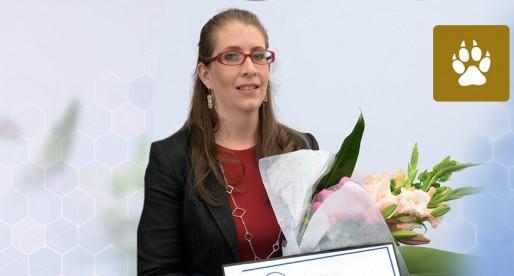 Otorgan Beca Para las Mujeres en la Ciencia 2017 a universitaria