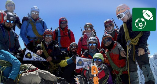 Montañistas universitarios conquistan el Huascarán