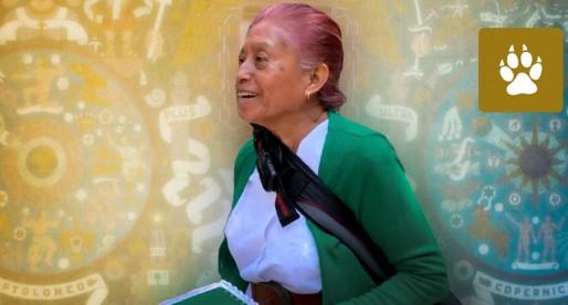 Elvia Martínez con sus 63 años regresa a la UNAM para terminar su bachillerato